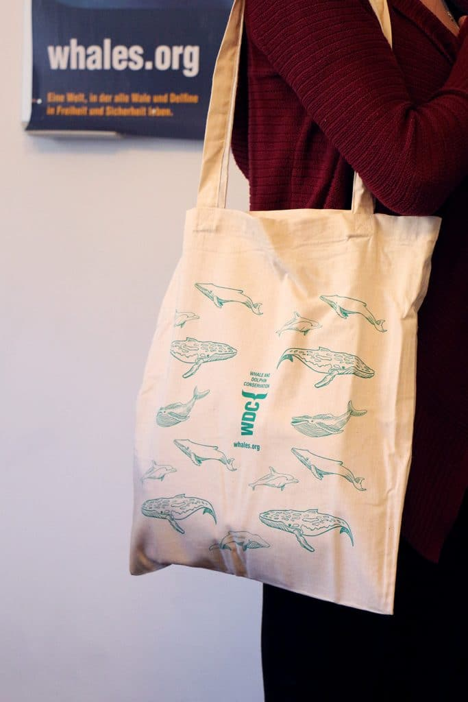 WDC-Tasche mit Wal- und Delfinmotiven