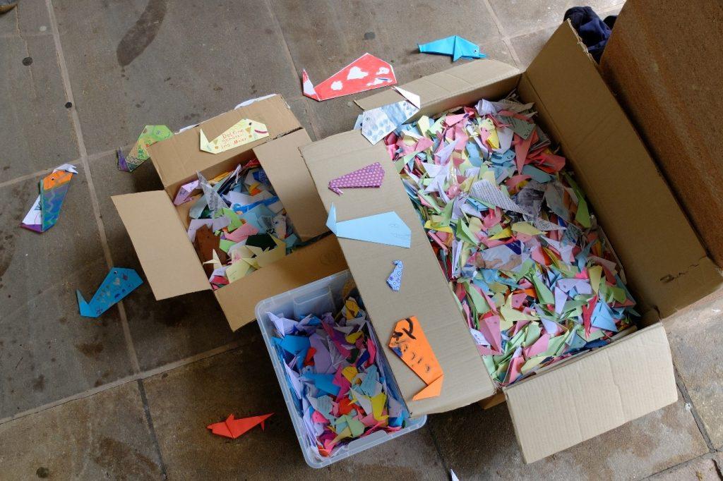 origami-protestaktion-delfinarium-nuernberg