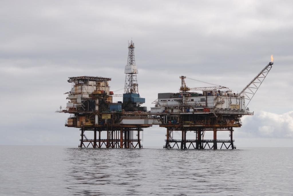 Öl-Bohrinsel (C) Charlie Phillips